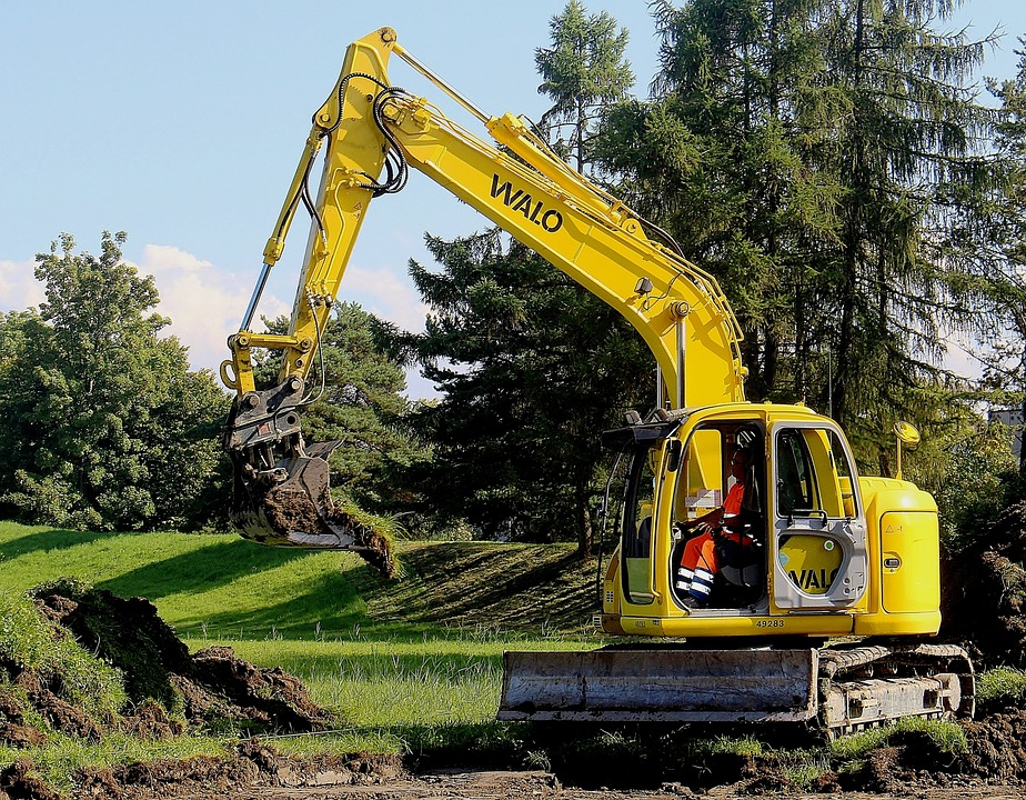 construction machine excavators - 4 Benefits of Drilling Wells in Different Angles